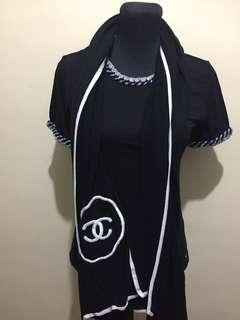 Authentic Chanel Cashmere Scarf Black and White