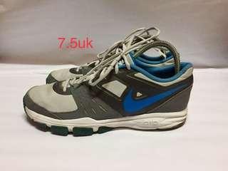 Nike Air 7.5uk