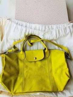 Longchamp Le Cuir Pilage 專櫃已斷貨 超搶眼鮮黃色小羊皮M款