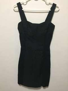 Black fitted dress outfit