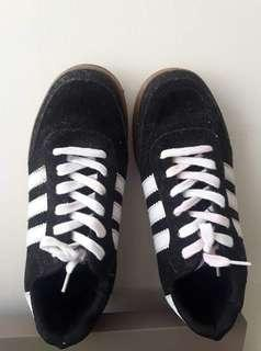 ADIDAS SNEAKERS CLASS A