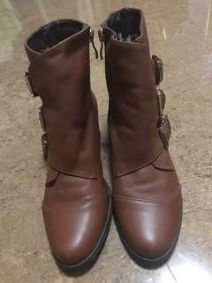 Stylish Women's Leather Boots
