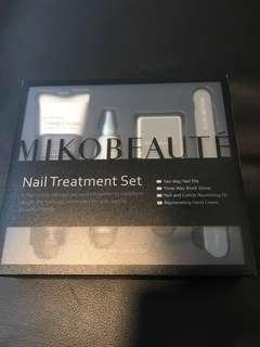 Nail treatment set