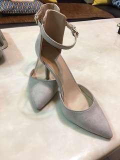 37-38 ZALORA 超美淺灰細跟鞋 high heels
