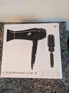 T3 Featherweight Luxe 2i Professional Hair Dryer