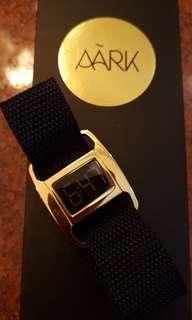 Jam tangan wanita Aark