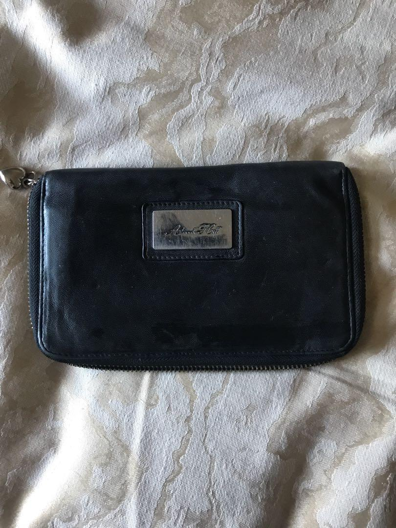 Alanna Hill Wallet (large)