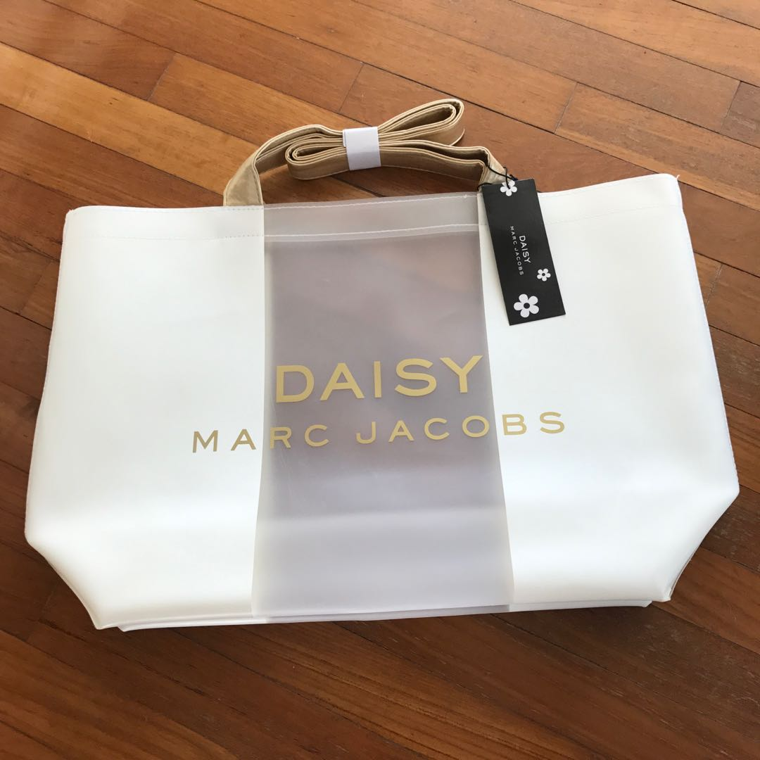 164dc4783d9e Authentic Marc Jacobs Daisy Tote Bag