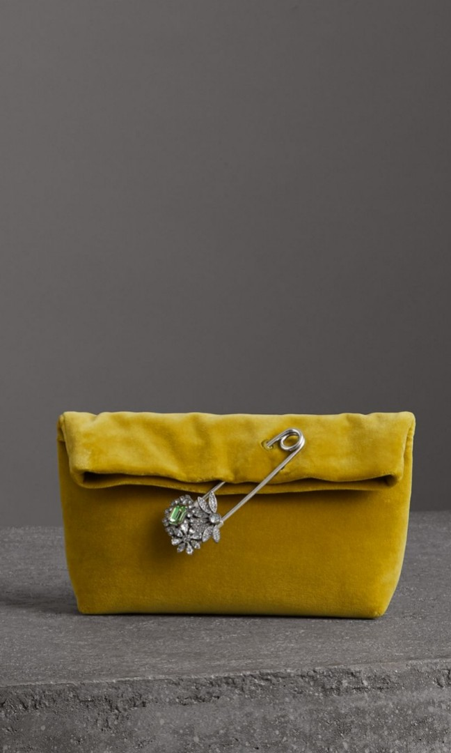 dff65ddb4a98 Burberry Small Pin Clutch in Velvet