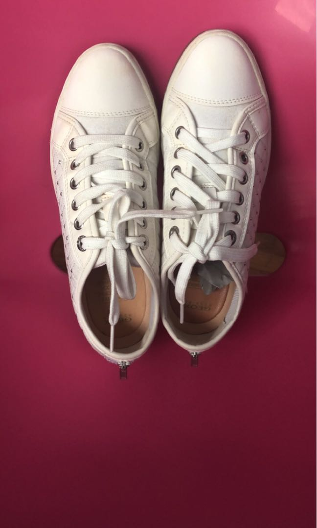0bff434083888 GEOX WHITE SHOES, Women's Fashion, Shoes, Sneakers on Carousell