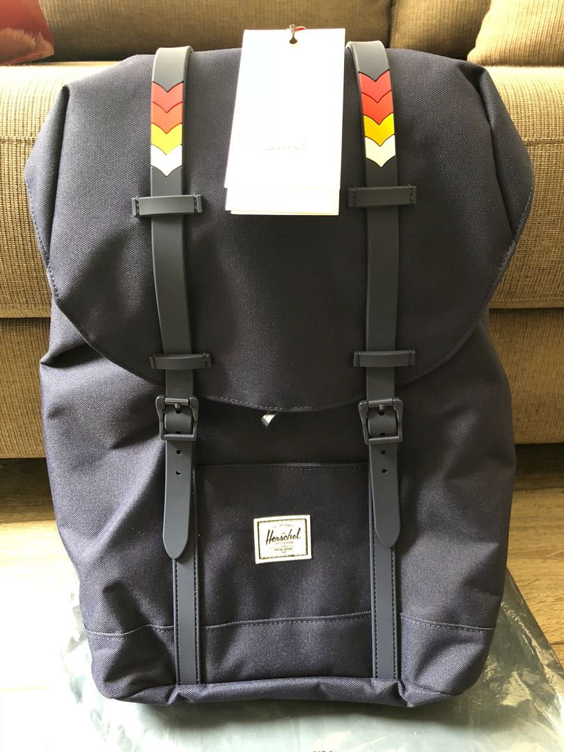 a4a9ec18803 Herschel Retreat Mid-Volume Backpack
