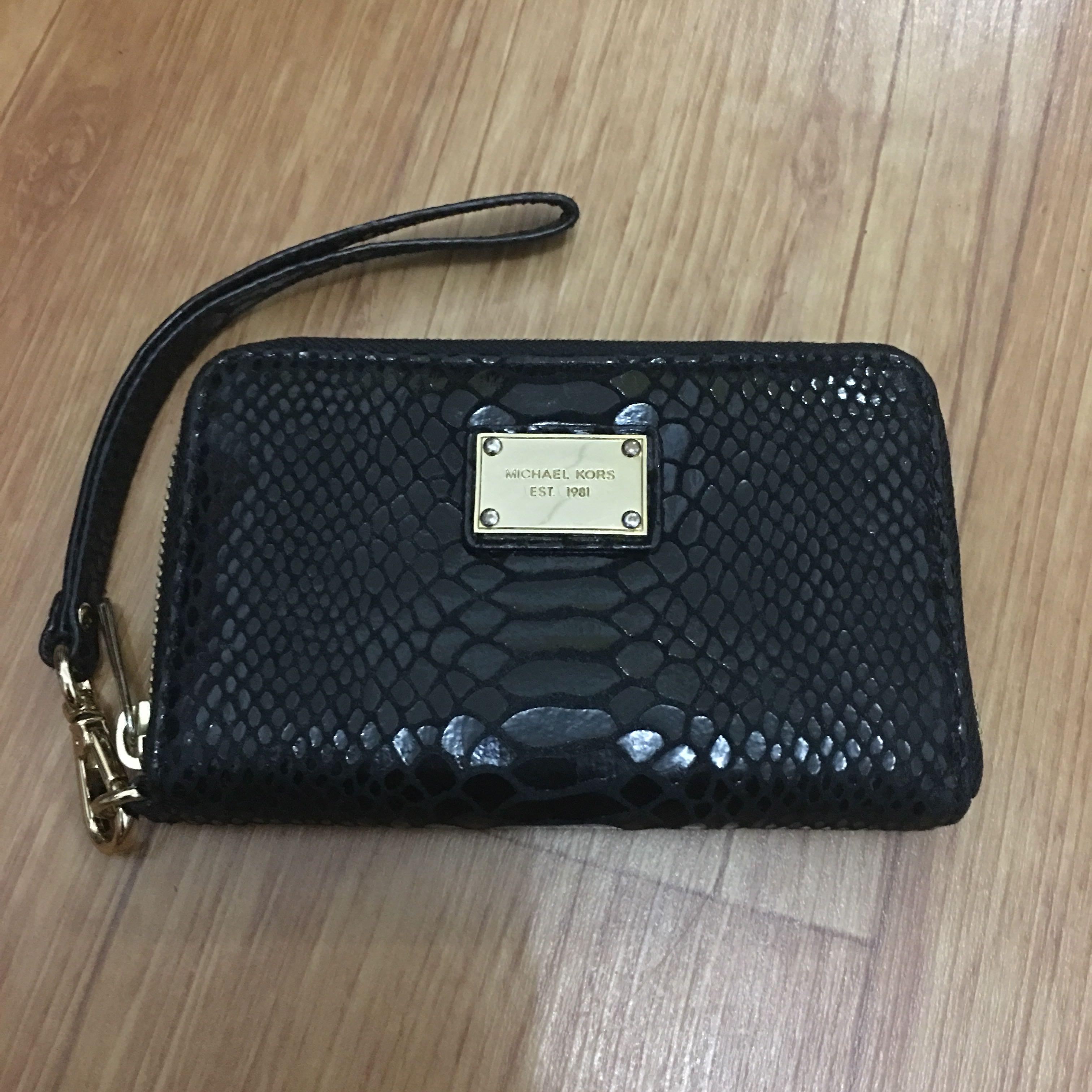 a94147bb9ddeec Michael Kors Black Wristlet, Women's Fashion, Women's Bags & Wallets ...