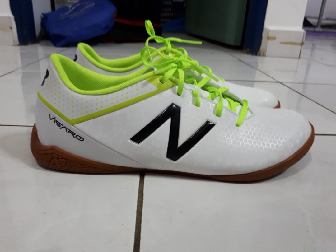 870d227aabeef New Balance Futsal Shoes new us8.5 white speed visaro #CNY888, Men's  Fashion, Footwear, Boots on Carousell