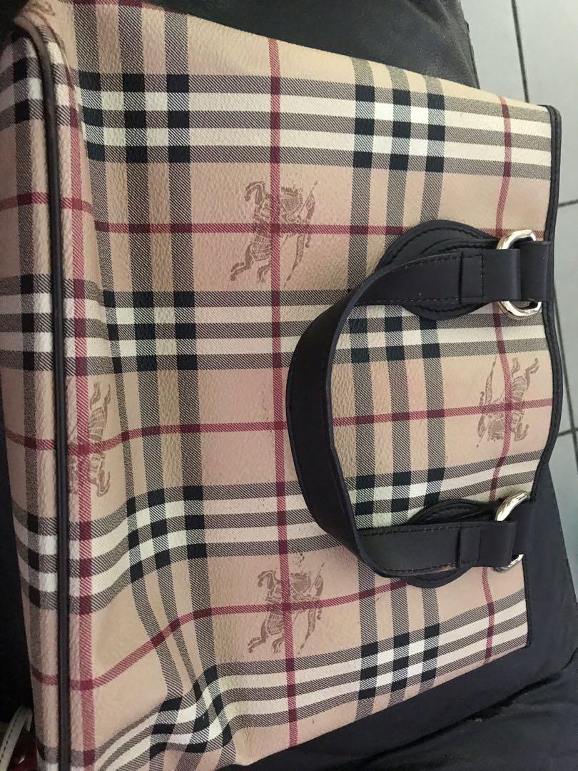 Second hand genuine Burberry bag 9724faa761819