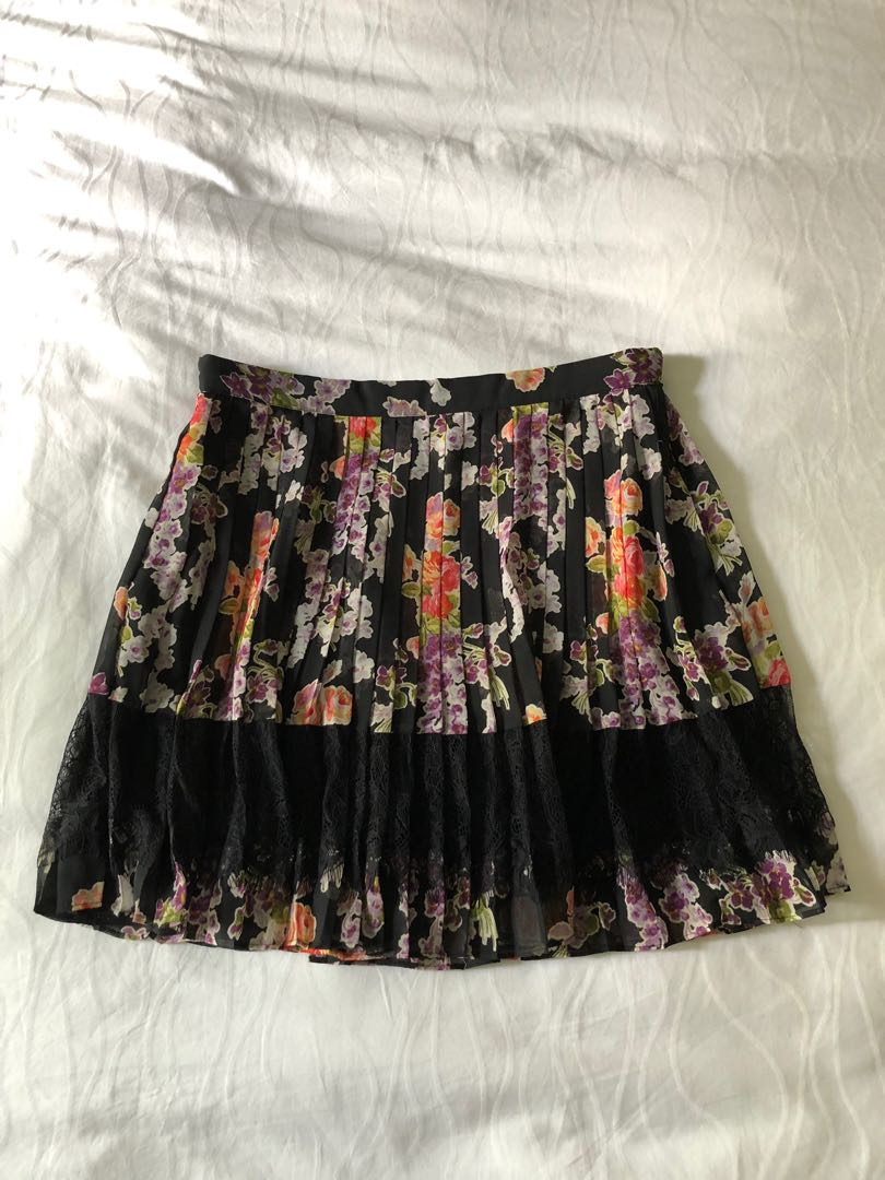 86862738a6a7 Topshop pleated skirt with lace UK12, Women's Fashion, Clothes ...