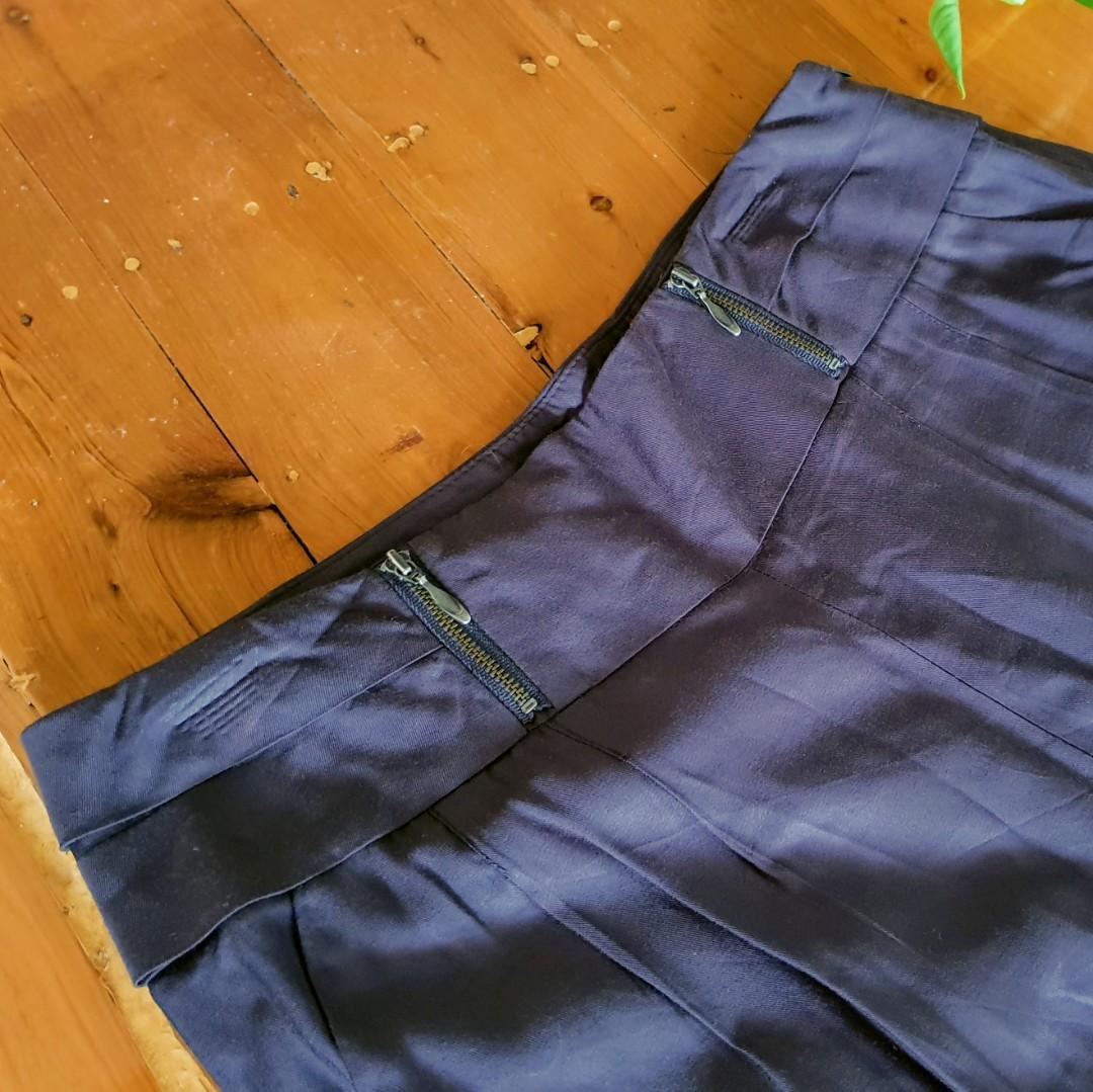 Women's size 11 'SPORTSGIRL' Stunning charcoal harem style pants - AS NEW
