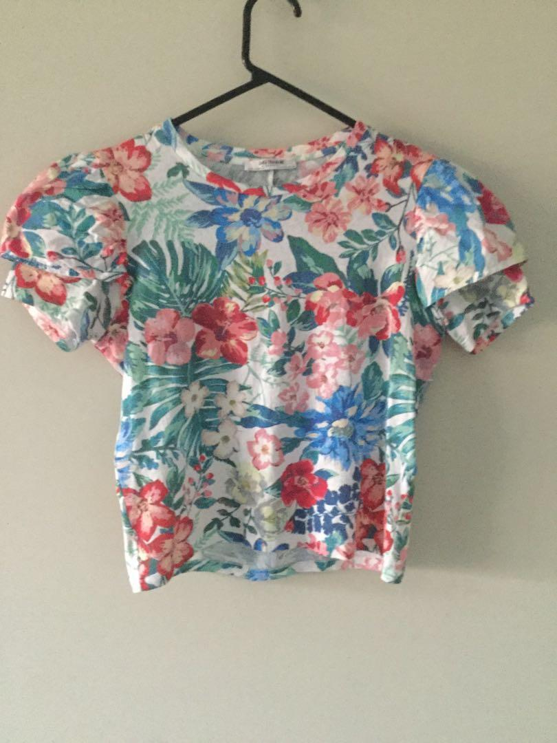 Zara Trafaluc womens top floral design size S 2017 summer spring