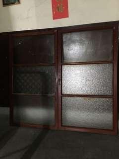 早期實木玻璃窗