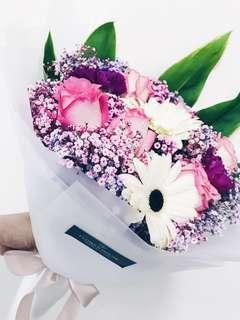 🚚 6s rose baby's breath bouquet