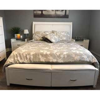 *REDUCED PRICE*Modern Bed Set - Queen sized