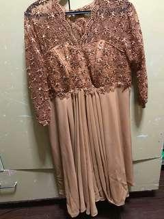Lace gown color brown(size 3x & 4x)