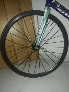 *TEST MARKET* Bladed Spokes Airwalk Wheelset