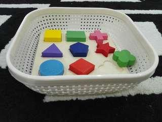 Montessori toys Wooden Puzzle with basket