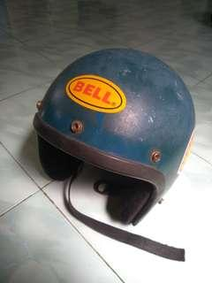 Helmet Bell Malaya