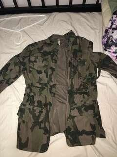 Camo Jacket Sz Small in Womens