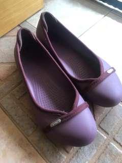 Crocs ladies purple shoes