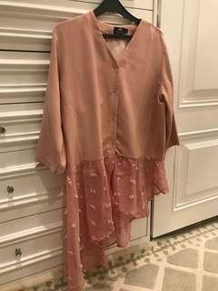NEW pink labeleight top