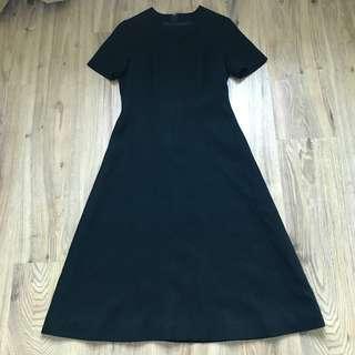 ♥️Vintage Midi Dress with floral embroidered neck details in Black