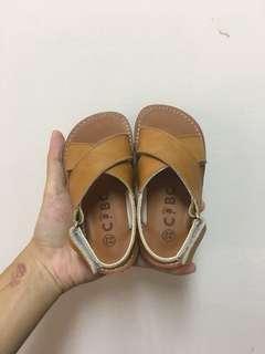 🚚 🎉兒童交叉帶涼鞋
