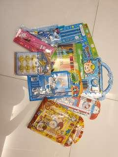 New assorted stationery sets color pencil Mickey looney tunes
