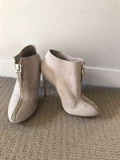 Zara Ankle Boots Size 36 *NEVER WORN*