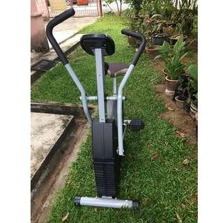 TRAX Tripple Action Bike (upright exercise bicycle)