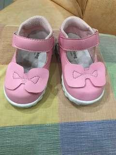 Sepatu bayi / anak