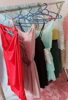 At least 70 pcs. Size M and L. New and preloved dresses