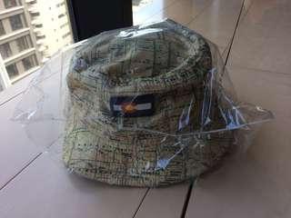 🚚 CHUCK 世界地圖 - 漁夫帽