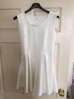 白色棉連身裙