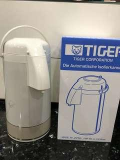 Brand New Japan Tiger Hot 3L Water Boil Flask Kitchen Home Household