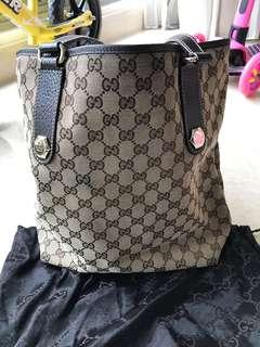 Gucci signature tote bag