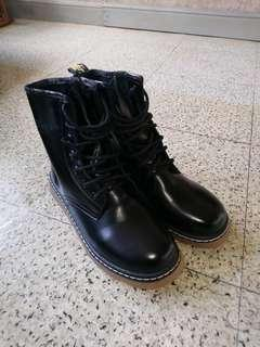 黑色短boot