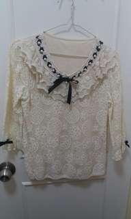 $30斯文靚lace中袖衫米黄