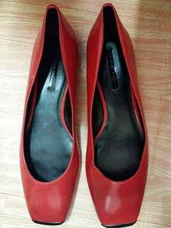 Authentic Charles and Keith Flat shoes(no box)