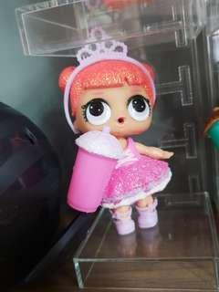 Lol glitter surprise doll - center stage