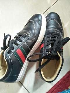 Sepatu The Sandals