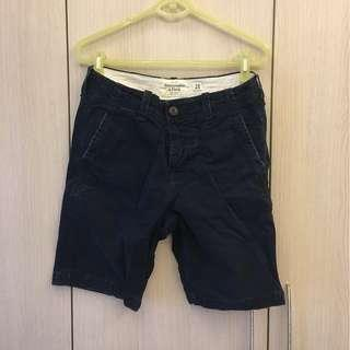 🚚 Abercrombie & Fitch 深藍水洗刷破短褲