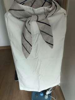 白色蝴蝶結長裙