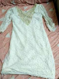 白色蕾絲裙